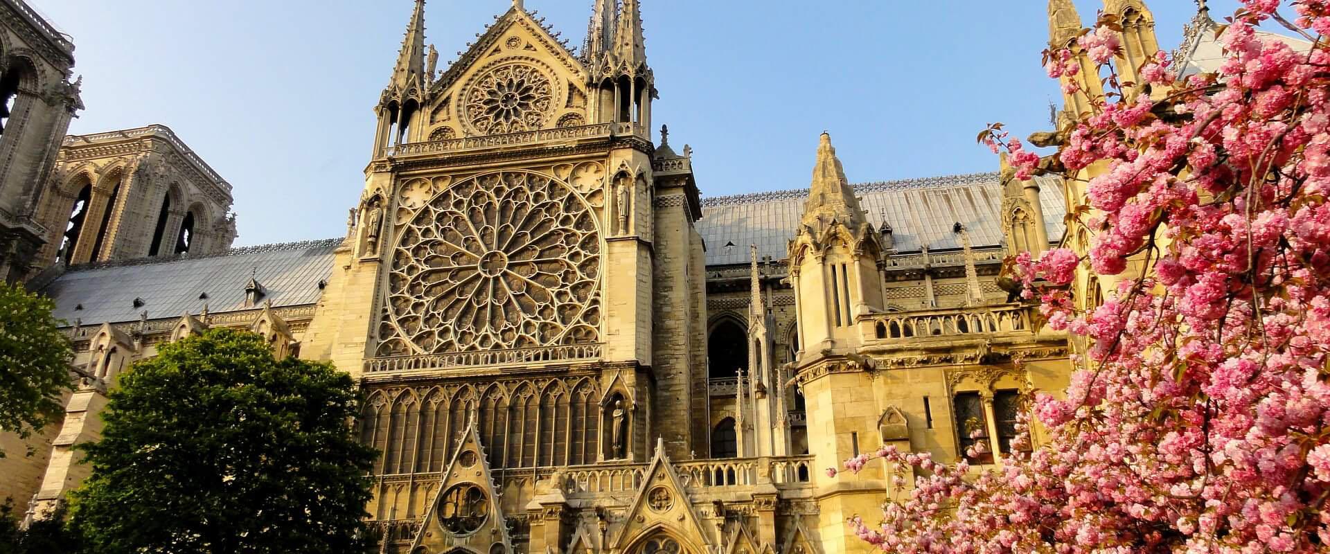 Notre_Dame_Paris_.jpg