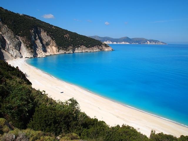 beach-682085_640.jpg